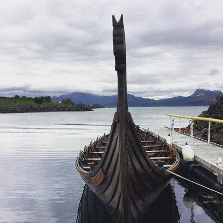 Longva, Norge: Vikingskipet