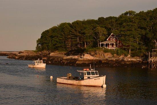 New Harbor, ME: A gorgeaus harbor