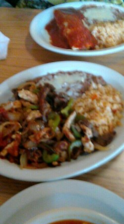 Woodstock, GA: Monday lunch fajita and $.99 tacos