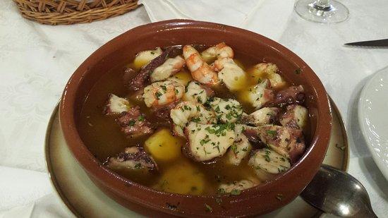 Naron, Spanje: pulpo con langostinos