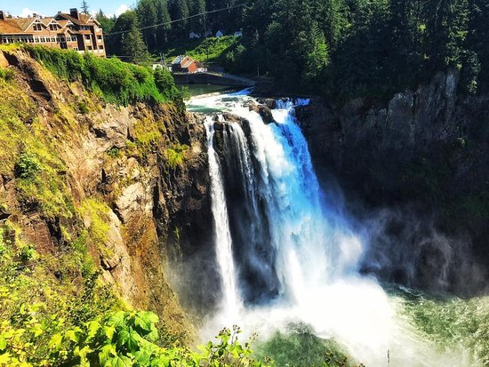 Snoqualmie, WA: View from the top of the falls