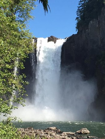 Snoqualmie, WA: View from the bottom of the falls