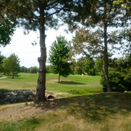 Huron, OH: golf course - lots of golfers