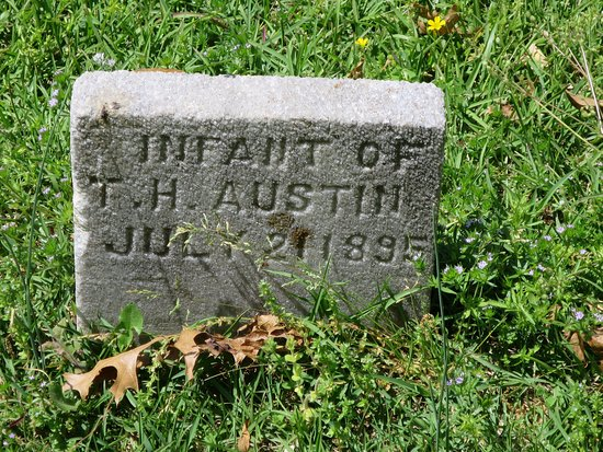 Oakland Cemetery: A sad look at infant mortality