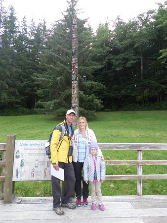 Totem Bight State Historical Park : Learning about totem stories!