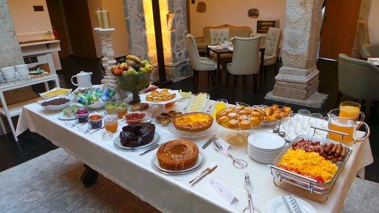 Sertã, Portugal: Breakfast table