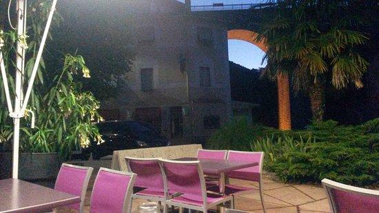 Saint-Nazaire-en-Royans, Fransa: La terrasse