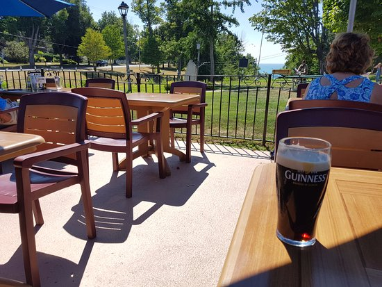 Goderich, Canada: Nice patio and a good view with a park beside