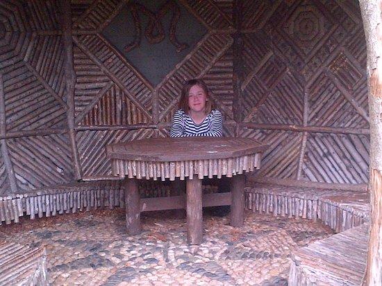 Ravenglass, UK: Inside gazebo on the Terrace
