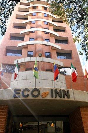Hotel D&D Inn Tibana Caracas : fachada del hotel,entrada frontal.