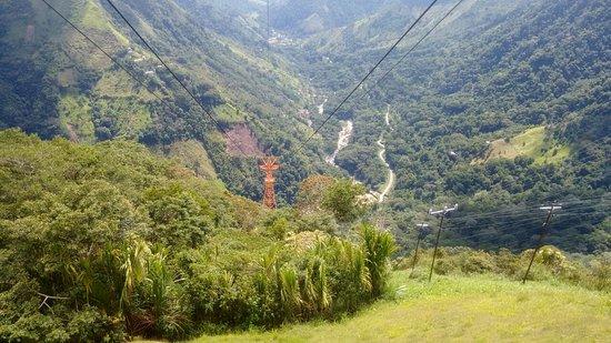 Guadalupe, Colombia: asi se divisa desde el salto, es espectacular
