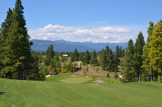 Wilderness Club: The Ninth Hole, a little down hill par 4