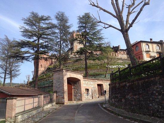 Salice Terme, Italie : Il Castello di Montalfeo