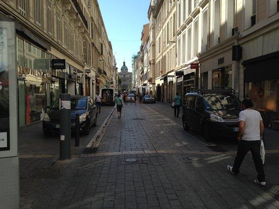 Une rue pi tonni re la seule marseille centre ville - Piscine st giniez marseille ...