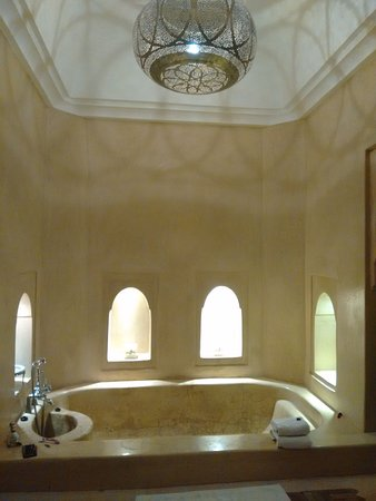 AnaYela: Die Badewanne