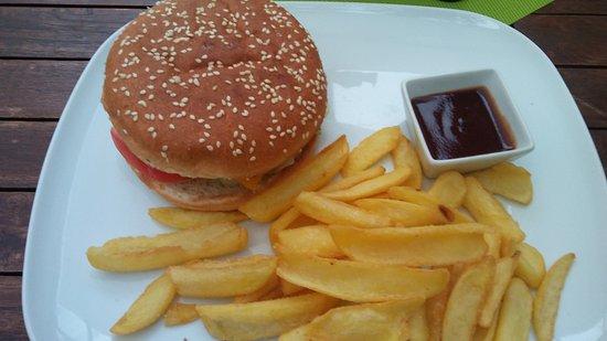 Roznava, Eslovaquia: Burger menü