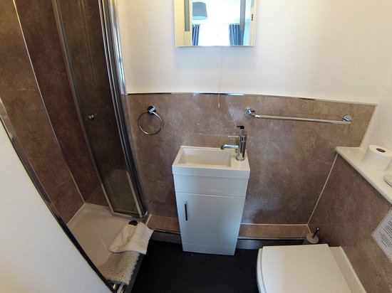 Brecon, UK: Standard Double Bathroom