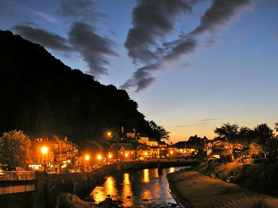 Rock House Hotel: Sunset at Lynmouth!