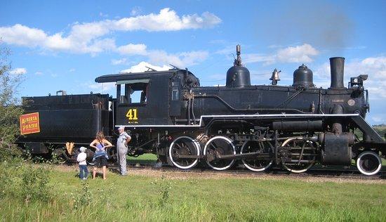 Stettler, Canada: Steam Train No. 41 herself <3
