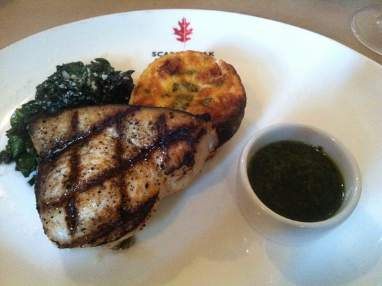 Hingham, ماساتشوستس: Swordfish with chard and red pepper flan