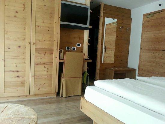 Hotel Edda: IMG-20160725-WA0003_large.jpg
