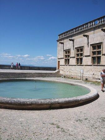 Grignan, France: Fontaine des terrasses