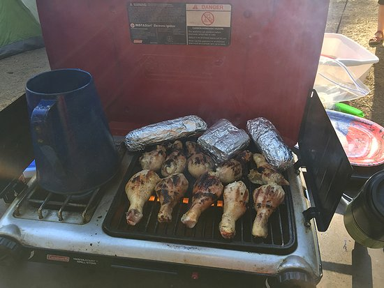 Wawona Campground: Grade A camp grub.