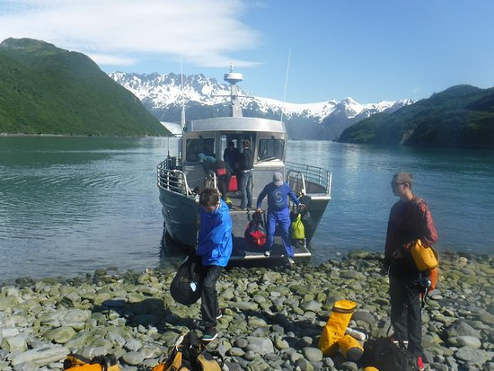 Kayak Adventures Worldwide - Day Trips: The water taxi