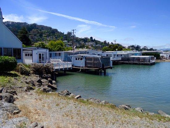 Sausalito, كاليفورنيا: maisonnettes sur pilotis