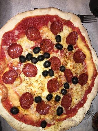 San Donato in Poggio, Italia: Pizza massicana attention very hot