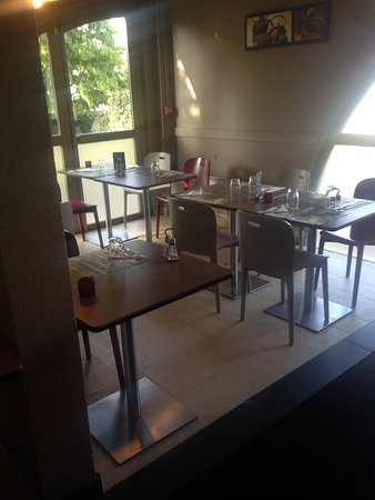 Campanile Livry Gargan: Salle restaurant