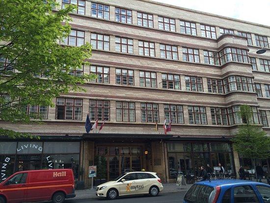 Ellington Hotel Berlin: Buitenkant