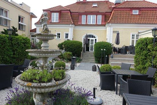 Trelleborg, Suecia: exterior from the garden