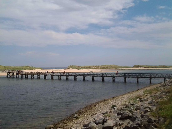Lossiemouth, UK: foot bridge over to East Beach