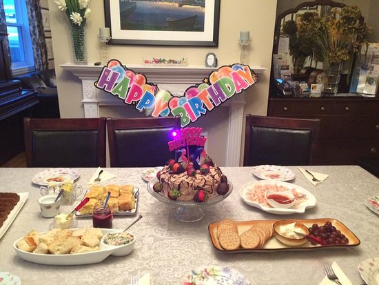 Harbourview Bed & Breakfast: One of our guest birthday.