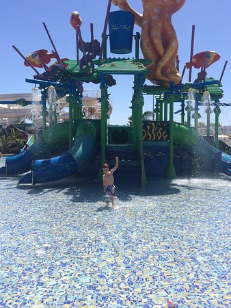 Aqualava Waterpark Relaxia: The toddler waterfall and slides