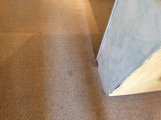 Val David, Canadá: tapis dans une chambre régulière.