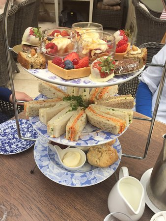 Coombe Abbey Hotel: Afternoon tea