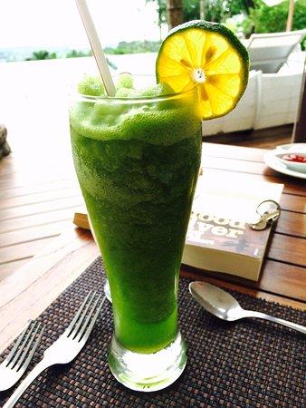 Oxygen Jungle Villas : What! Pacific oranges and mint juice