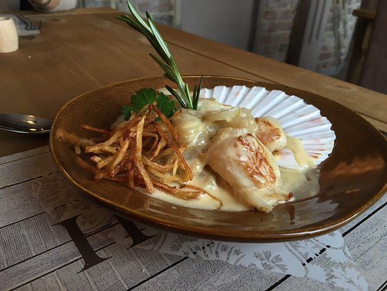 Farnham, UK: Great new refurbished restaurant with an amazing new menu