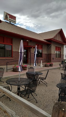 Douglas, WY: Outdoor Seating Area