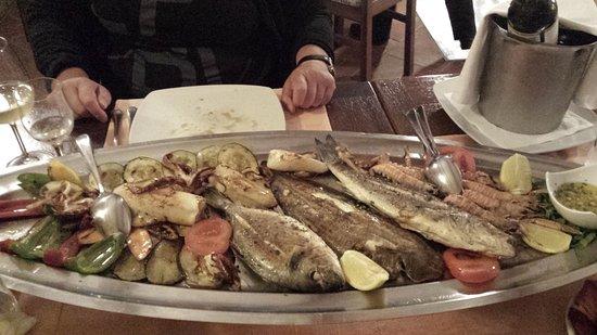 Buje, Croatia: grigliata di pesce