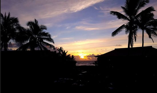 Kauai Beach Resort: Sunrise from room 1333. Breathtaking!