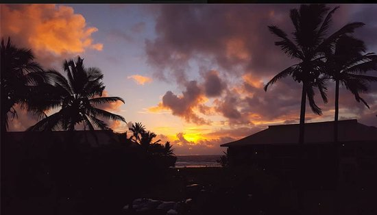 Kauai Beach Resort: Sunrise from room 1333. Couldn't ask for more!