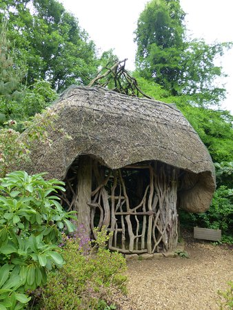 Minstead, UK: Another example of the amazing structures