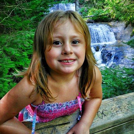 Grand Marais, MI: Perfect day at Sable Falls