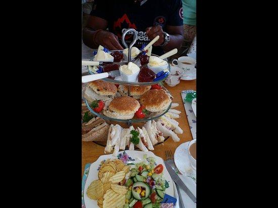 Petersfield, UK: High Tea