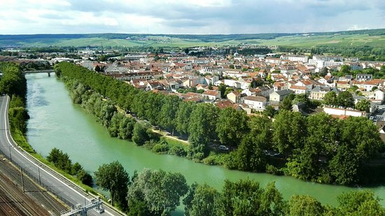 Epernay, Francja: IMG_20160715_000227_large.jpg