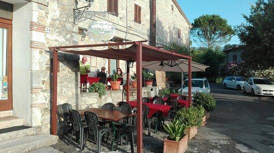Semproniano, Ιταλία: Bellissimo borgo... romantico e consigliato caldamente a chi si trova nelle vicinanze😂