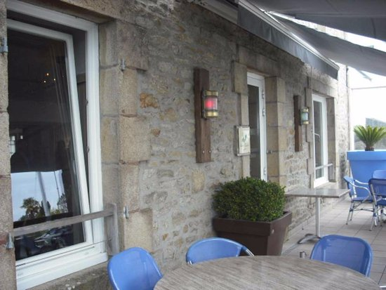 La Trinite-sur-Mer, France: Façade terrasse